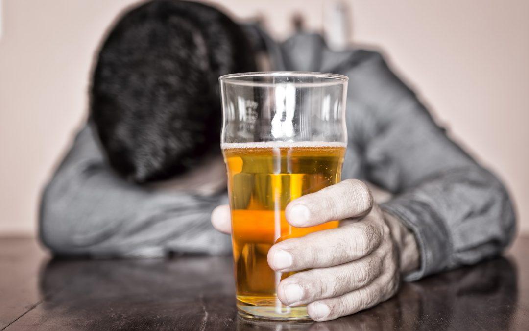 Uống gì để giải độc gan khi uống nhiều bia rượu.