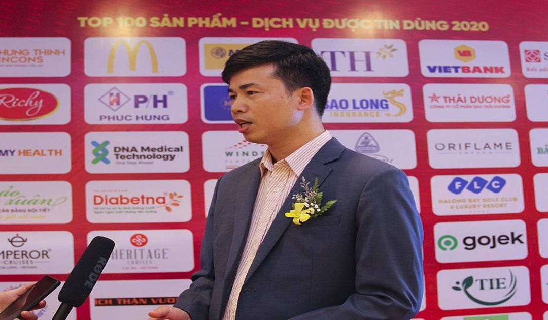 """Sủi thanh nhiệt Livecool được vinh danh là """"Sản phẩm số 1 trong dòng Sủi thanh nhiệt thảo dược"""" do bạn đọc Tạp chí kinh tế Việt Nam bình chọn năm 2020."""